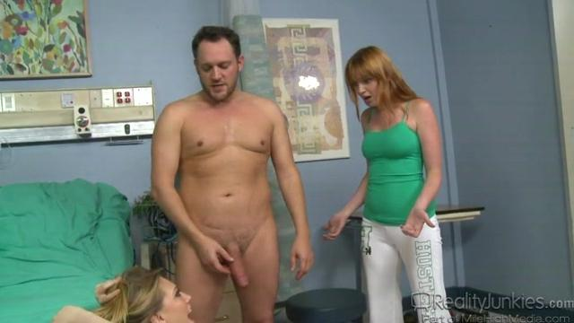 porno-video-zhena-privela-muzha-k-vrachu