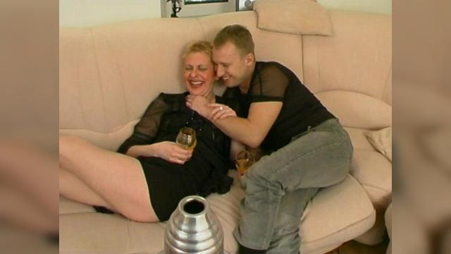 Russian Mature Women Having Sex With Young Guys 6