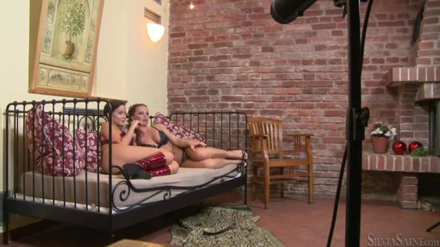 Silvia Saint, Cindy Dollar - BTS-Steaming Up The Bedroom