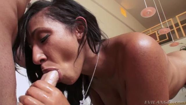 lux anal